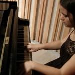שיעורים פרטיים בפסנתר - דינה